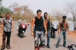 {Photo 1 de Dhoom}