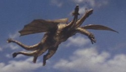{Photo 2 de Ghidorah The Three Headed Monster}