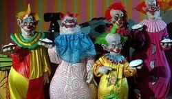 {Photo 3 de Killer klowns from outer space}