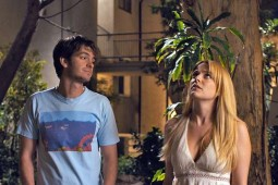{Photo 1 de Under the silver lake}
